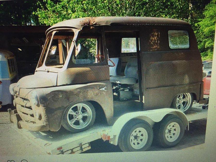 Somebodys Dodge Van Project..jpeg
