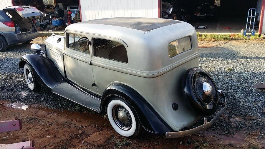 1934 Dodge 2 DR Sedan (2).jpg