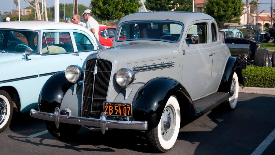 1935 Plymouth (4).jpg