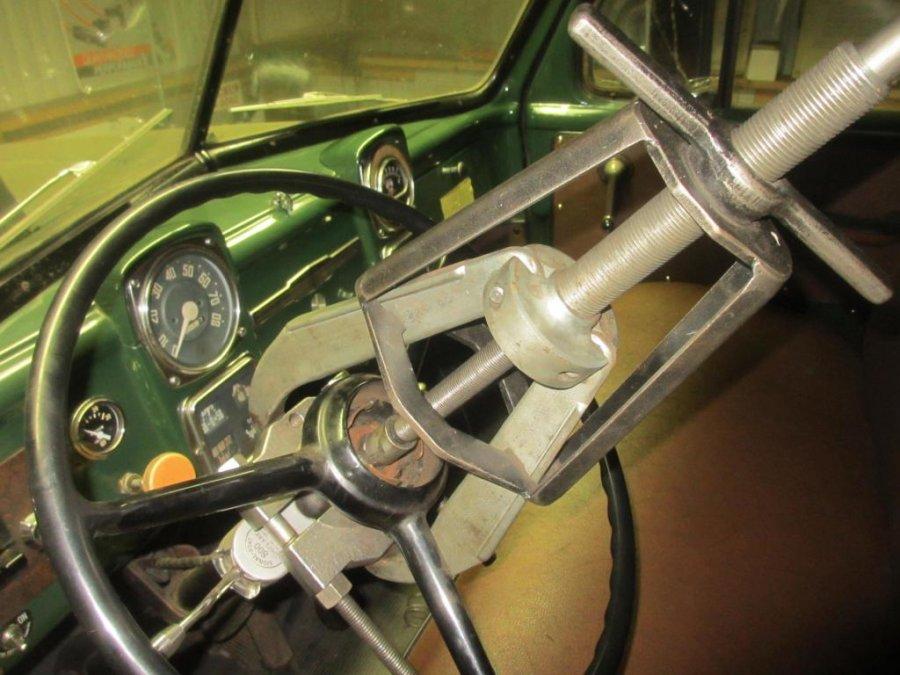 Steering Wheel Splitter Posi-Lok Puller (5).JPG
