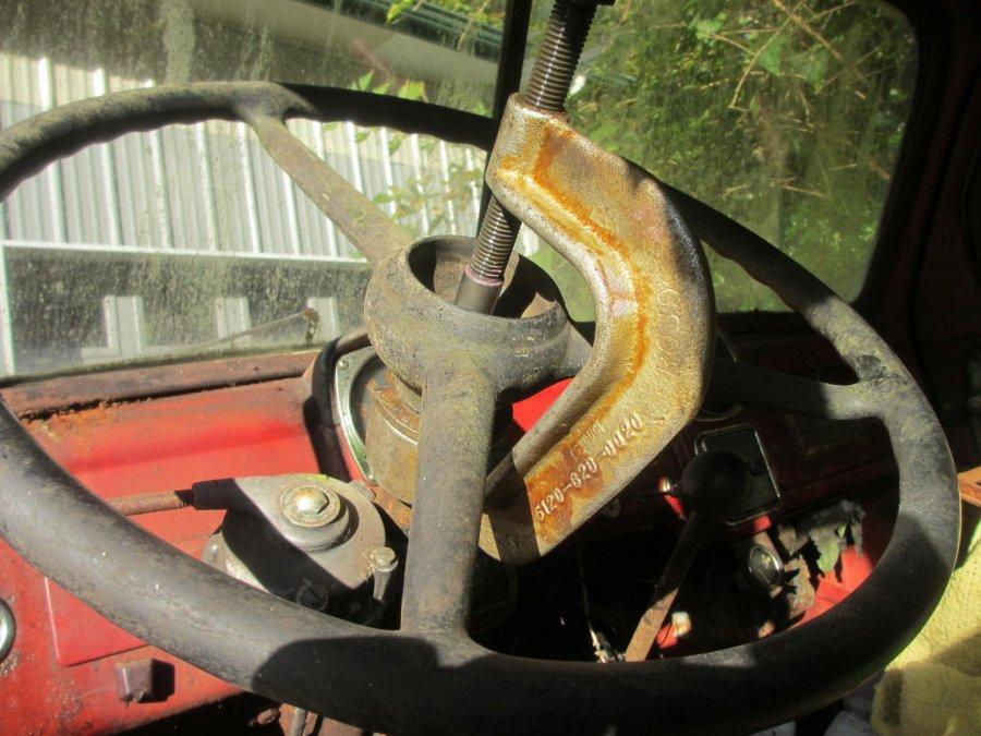 Steering Wheel Removal B3YA (2) (Large).JPG