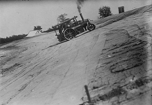 Indianapolis_Motor_Speedway taken in june 1909.jpg