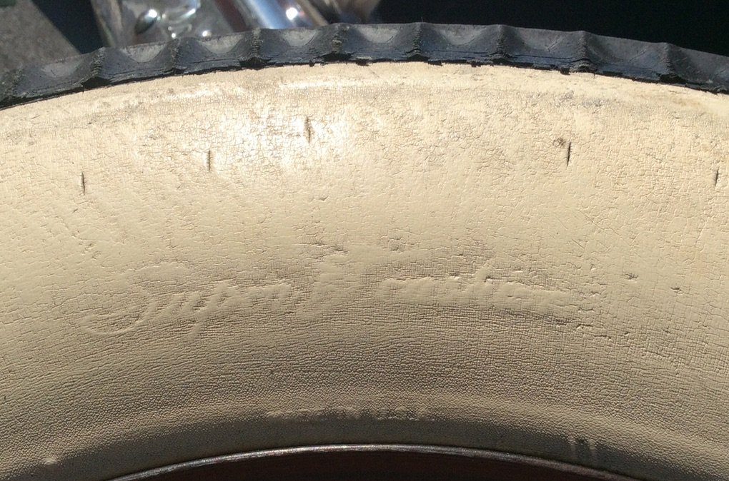 """""""Super Cushion"""" with the winged foot on the sidewall"""