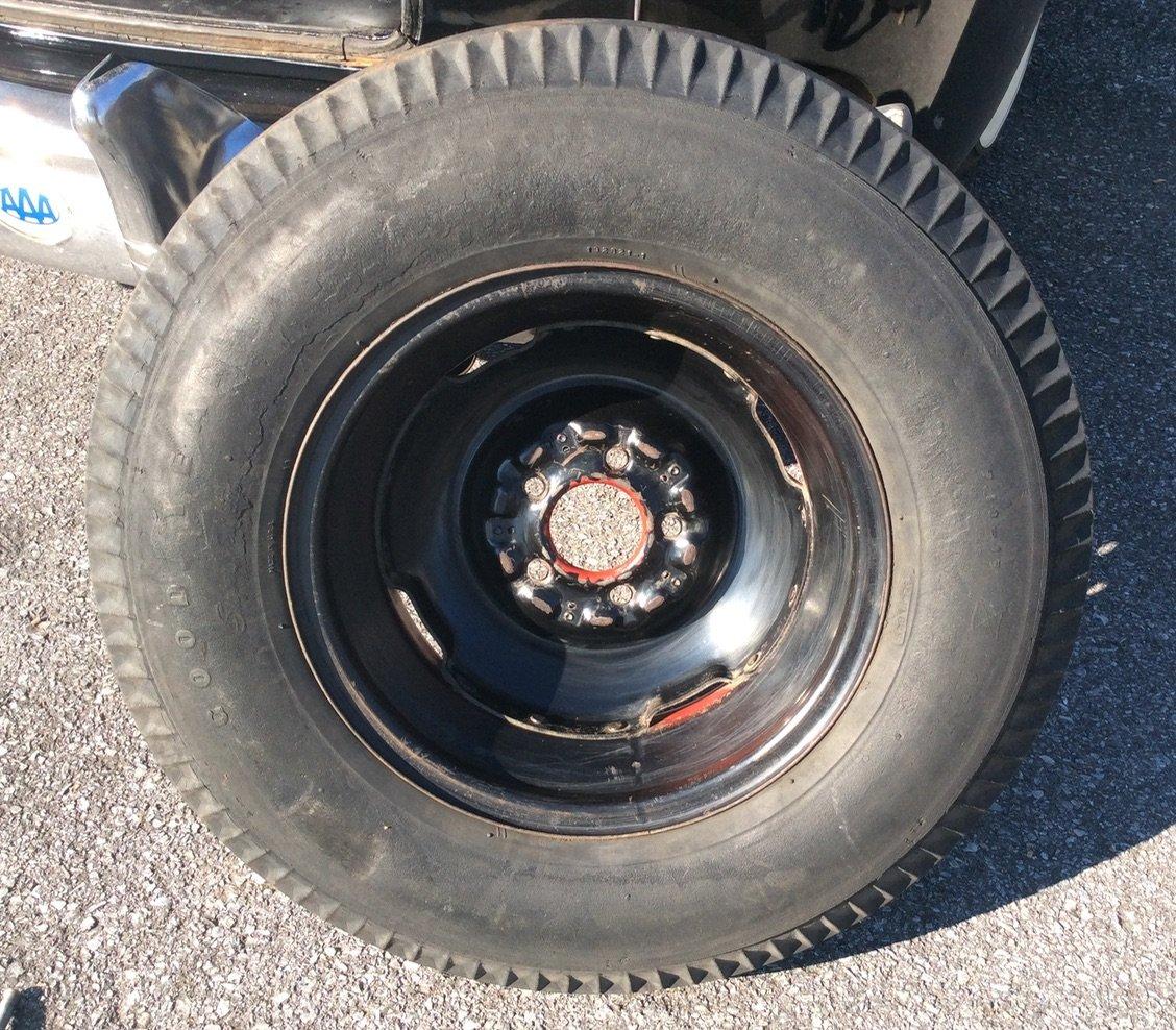 Blackwall side of Goodyear Super Cushion tire