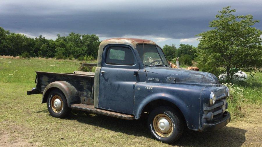 1952 Dodge.jpeg