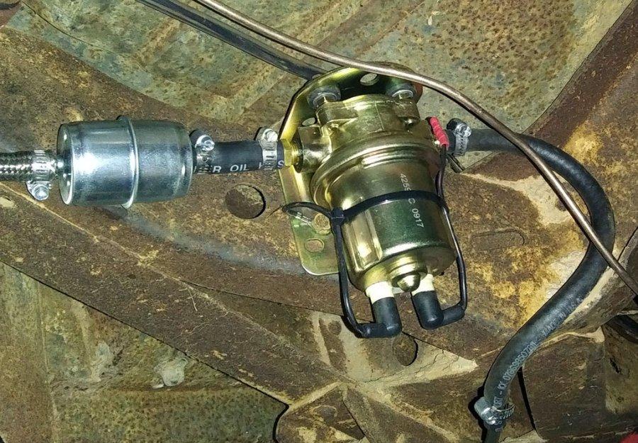 fuel-pump.jpg.76a1ac43d57590819d096eb9f9f52d7c.jpg