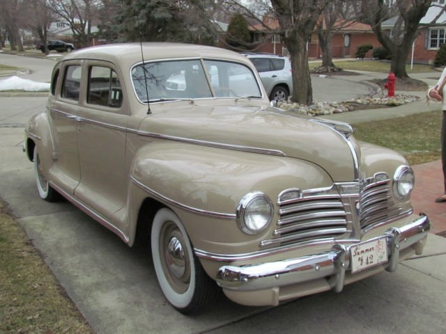 1942-plymouth-special-deluxe-sedan-1.JPG