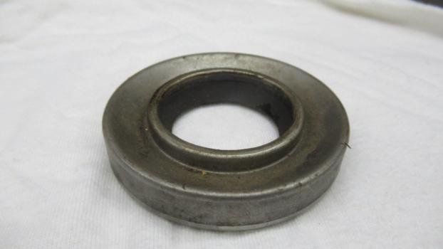 Rear axle shaft inner seal face side to drum.JPG