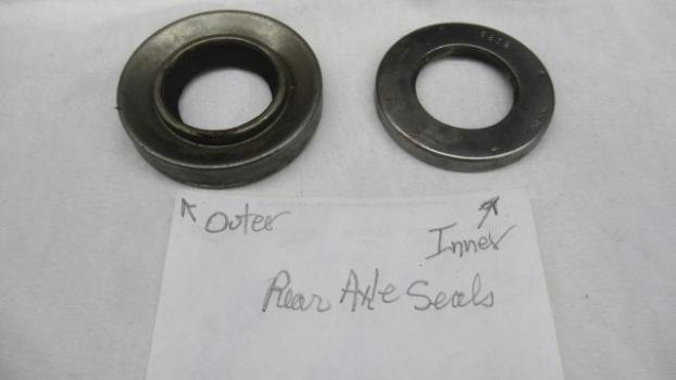 Thick inner and thin outer rear axle seals (2).JPG