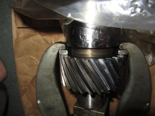 Removing my badly worn original 413 crank gear (4).JPG