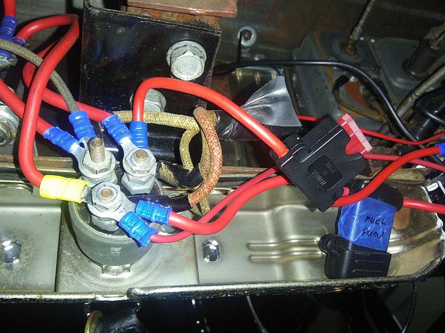 fuel-pump-fuse.jpg.7505eed0b3187b8685ca623ffcfe3403.jpg