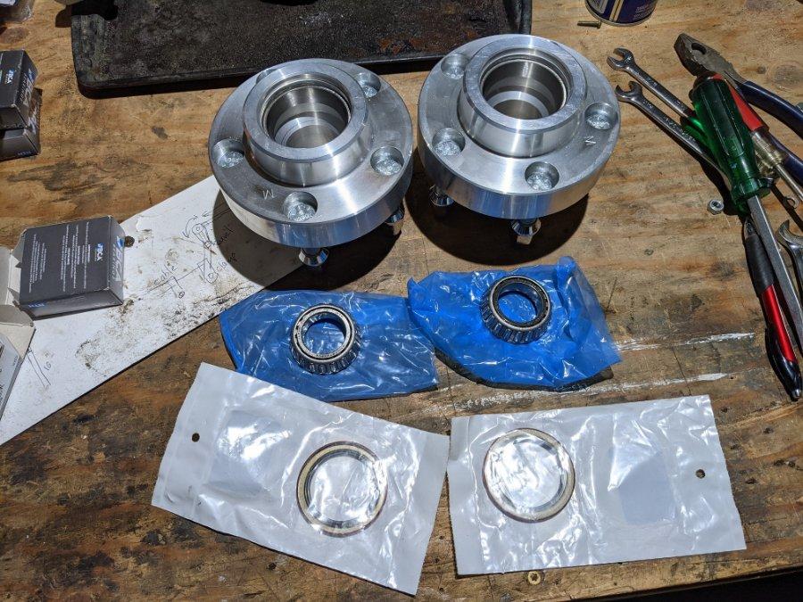 hubs seal inner bearings small new.jpg